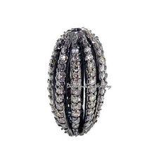 Metal: plata de ley 92,5% Piedra de la gema: Diamante Natural Peso bruto: 3,22 gramos 92,5 peso de plata de ley: 3,01 gramos Peso diamantes: 1,06 quilates Tamaño: 19 x 14 mm Final: Rodio negro Tipo de cantidad: 1 PC.