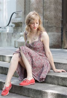 See more of my beautiful red boat shoes by Timberland here: http://www.miss-annie.de/sommer-trend-segelschuhe/ #blogger #fashion #dress #ootd #outfit #shooting