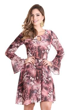 Moda fashion mujer chic simple Ideas for 2019 Simple Dresses, Cute Dresses, Casual Dresses, Summer Dresses, Blouse Dress, Bodycon Dress, Vestidos Chiffon, Conservative Fashion, Girl Fashion