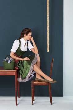 Klassisch traditionell oder lieber ein wenig mehr Lifestyle? Bei Stassny finden Sie Tracht für jeden Anlass und modische Accessoires.