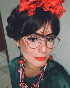 Thais Dutra Sá (@thaisdutrasa) • Fotos e vídeos do Instagram Mexican Halloween Costume, Halloween Looks, Halloween 2019, Halloween Diy, Halloween Makeup, Carnival Costumes, Diy Costumes, Make Carnaval, Mexico Fashion