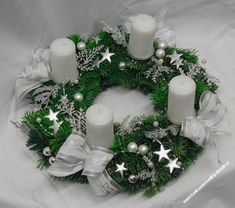 adventní věnec stříbrný Christmas Advent Wreath, Christmas Candle Decorations, Christmas Arts And Crafts, Advent Candles, Xmas Wreaths, Christmas Colors, Winter Christmas, Christmas Holidays, Holiday Decor