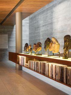 Architecture: studio mk27 - marcio kogan + renata furlanetto. Interiors: studio mk27 - diana radomysler. Photography: fernando guerra