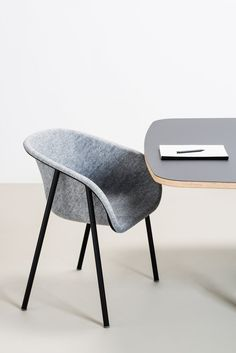 The seat of the LJ series is made out of recycled PET bottles, the design of the seat brings back many traditional production steps to one smart 3D pressing technique. PET felt is recycled, recyclable and offers sound dampening properties and great comfort.