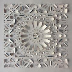 Origami Paper Art, 3d Paper, Paper Crafts, Paper Flower Art, Paper Flowers, Cut Out Art, Art Cut, Paper Art Design, Sculpture Techniques