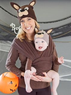 This Halloween, keep baby close and portable by taking a cue from our furry friends down under. Combine these easy-to-make kangaroo hats with a brown ensemble, then fix baby onto your front with a comfy cloth carrier.