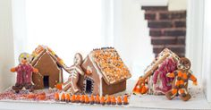 Mini Halloween Gingerbread Houses