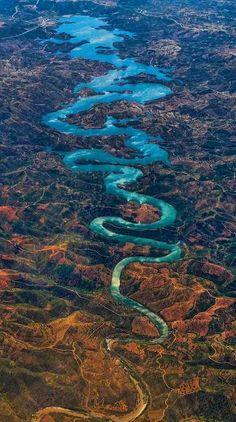 Globe-Trotting : Les plus beaux paysages et voyages du Monde | L'Odeleite, la Rivière du Dragon Bleu au Portugal