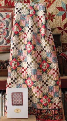 Petra Prins scaled version of M for Mystery from Homestead Heart. Made from two traditional blocks set on the diagonal - double nine-patch and variable star. It is the glowing colours in this quilt that make it so lovely. Old Quilts, Scrappy Quilts, Antique Quilts, Star Quilts, Vintage Quilts, Petra Prins, Nine Patch Quilt, Quilt Modernen, Country Quilts
