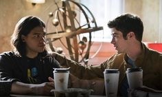 The Flash Season 2 Spoilers: Barry Allen Cisco Ramon Fight A Metahuman Named Rupture? #news #fashion