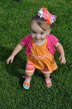 FLOWER AND BUTTON BOW IZZY (1)