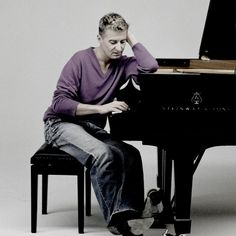 'Planets,' pianist provide dazzle at Cincinnati Symphony