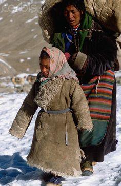 Tibetan Mother and Daughter on Pilgrimage