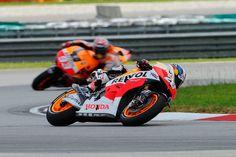 Espanhol vence na Malásia, com o favorito Marquez no encalço e Lorenzo na terceira colocação.