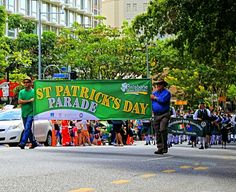 BRISBANE IRISH FESTIVAL  Today's St Patrick's Day Parade in Brisbane City was a fun morning out and it had such a great atmosphere! Like many Australians, we have some Irish heritage in the family with the kids' great grandfather hailing from Dundalk, so our little