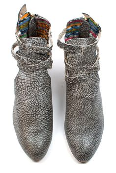 This grey pebbled leather is so unique! www.mooreaseal.com