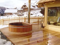 Tischlerei Kalchgruber Bath tubs wooden plunge pools and Swiss pine wood Sauna Design, Cabin Design, House Design, Above Ground Pool Decks, In Ground Pools, Jacuzzi, Mini Spa, Chalet Style, House In Nature