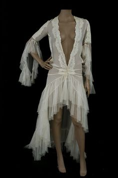 Lace,chiffon and tulle silk peignoir with back train, 1930s, from the Vintage Textile archives.