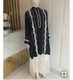 Pakistani Formal Dresses, Pakistani Fashion Party Wear, Pakistani Dress Design, Pakistani Outfits, Fancy Dress Design, Stylish Dress Designs, Sleeves Designs For Dresses, Dress Neck Designs, Stylish Dresses For Girls