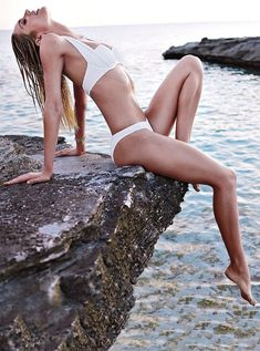 candice swanepoel bikini shoot16 Bombshell Alert! Candice Swanepoel Models Bikinis in Victorias Secret Shoot