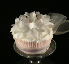 Edible WHITE Hydrangea Cupcake topper (Wafer Rice Paper)