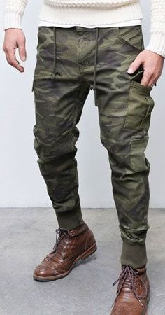 Top Tips, Tricks, And Methods For The Perfect mens suits Stylish Mens Fashion, Best Mens Fashion, Cheap Fashion, Army Look, Tactical Clothing, Camo Pants, Mens Joggers, Mens Clothing Styles, Men's Clothing