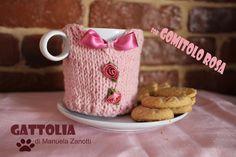 Scalda  tazza di  http://manuelazanotti.wix.com/gattolia#!__gomitolo-rosa  #knitting #gomitolorosa
