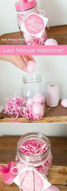 Valentine Bath Bomb in a Mason Jar gift idea with FREE printable tag! www.CraftaholicsAnonymous.net