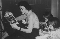 Anne Sexton reads with her daughters, Linda and Joyce. #ObiettivoLeggere @LibriamoTutti