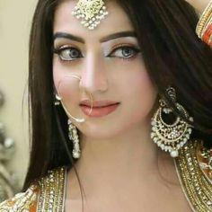 She is pretty Indian Bridal Fashion, Indian Bridal Makeup, Pakistani Bridal Wear, Bridal Beauty, Punjabi Bride, Bridal Looks, Bridal Style, Black And Silver Eye Makeup, Indian Bridal Hairstyles