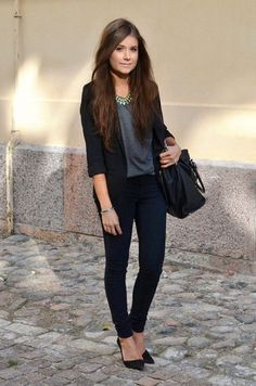 46 Fashionable Job Interview Outfits for Women That Makes a Best Impression Casual Outfit business casual interview outfit Casual Work Outfits, Office Outfits, Work Attire, Simple Outfits, Classy Outfits, Office Attire, Chic Outfits, Professional Outfits, Business Professional