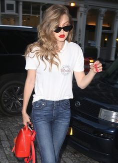 Gigi Hadid Cateye Sunglasses - Gigi Hadid went retro with a pair of cateye sunnies by Le Specs x Adam Selman for a day out in New York City.