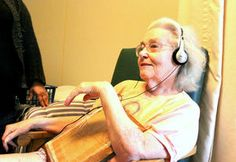 Alzheimers/dementia care-home uses iPod music to improve memory and moods of residents