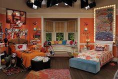 Elas dividem o mesmo teto nesse quarto. | Liv y Maddie | Pinterest ...