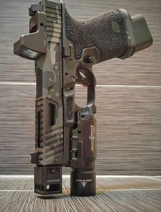Airsoft hub is a social network that connects people with a passion for airsoft. Talk about the latest airsoft guns, tactical gear or simply share with others on this network Weapons Guns, Guns And Ammo, Airsoft, Glock Mods, Glock 9mm, Armas Ninja, Custom Guns, Custom Glock 19, Survival