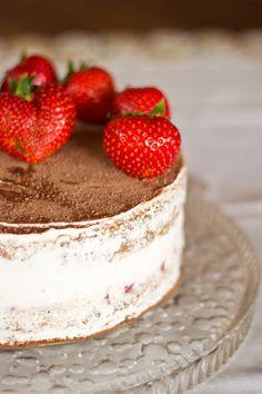 Tiramisu-Torte mit Erdbeeren   Strawberry Tiramisu Cake   VeganBakingParadise