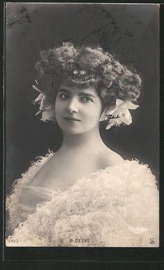 old postcard: Foto-AK Atelier Reutlinger, Paris, Schauspielerin P. Delys mit…