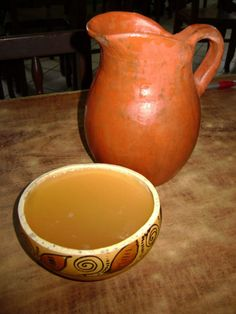 Chicha-fermented corn and sugar or honey, and sometimes pineapple Peruvian Dishes, Peruvian Cuisine, Peruvian Recipes, Corn Maize, Pineapple Drinks, American Beer, Comida Latina, How To Make Beer, Barichara