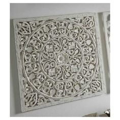 Cuadro panel madera tallado círculos color blanco Lazer Cut Wood, Home Board, Carving Designs, Moroccan Decor, Fashion Room, Interior Walls, Wood Design, Decoration, Wood Carving