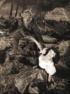 PHOTOGRAPH FILM BLACK WHITE MONSTER HALLOWEEN WOLFMAN WEREWOLF POSTER 18x24 INCH LV3544