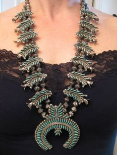 Fluted Bead Vintage Zuni Needlepoint Turquoise Sterling Squash Blossom Necklace