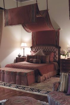 Now that's a bed. Rambagh Palace (Jaipur, India) - Jetsetter