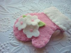 Wool+Felt+Brooch++Beaded+Mitten+Pink+Flower+by+pennysbykristie,+$12.50