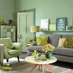 Verde que te quiero verde. El color de la esperanza llega nuestras casas para decorar paredes, pequeños accesorios, muebles... ¡Atrévete con el verde!