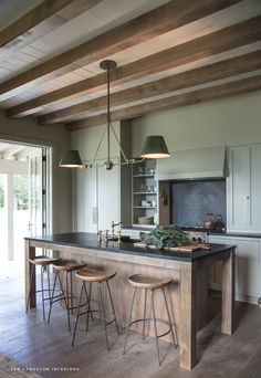 Modern Kitchen Interior Design by Jen Langston Interiors - There are natural elements galore this week! Studio Kitchen, Home Decor Kitchen, Rustic Kitchen, New Kitchen, Interior Design Living Room, Kitchen Dining, Kitchen Ideas, Kitchen Cabinets, Kitchen Backsplash