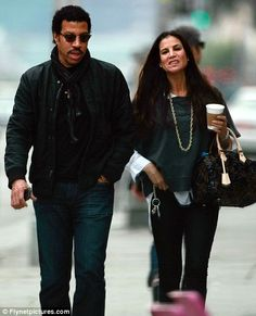 Lionel Richie shops with ex-wife Diane Alexander Diane Alexander, Lionel Richie, Ex Wives, Famous Faces, Rock N Roll, Famous People, Diana, Bomber Jacket, Singer