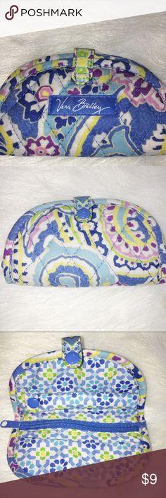 VERA BRADLEY MINI CHANGE PURSE FLORAL DESIGN VERA BRADLEY WHITE, BLUE, GREEN, & PURPLE MINI COIN PURSE. FLORAL PATTERN. GOOD CONDITION. BARELY FADED. Vera Bradley Bags Mini Bags
