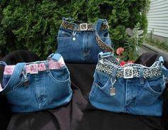 Ideas for recycling old jeans Denim Backpack, Denim Purse, Blue Jean Purses, Denim And Diamonds, Denim Handbags, Diy Bags Purses, Denim Ideas, Denim Crafts, Jeans Rock