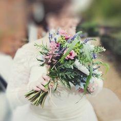 ed5ddb1f38a217 Bouquet(noths) 1st Wedding Anniversary