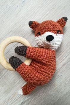 Fuchs gesamt Crochet Stitches, Crochet Hats, Crochet For Kids, Sewing, Diy Baby, Mobiles, Amigurumi, Patterns, Baby Knitting